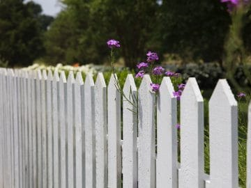 clôture jardin blanche